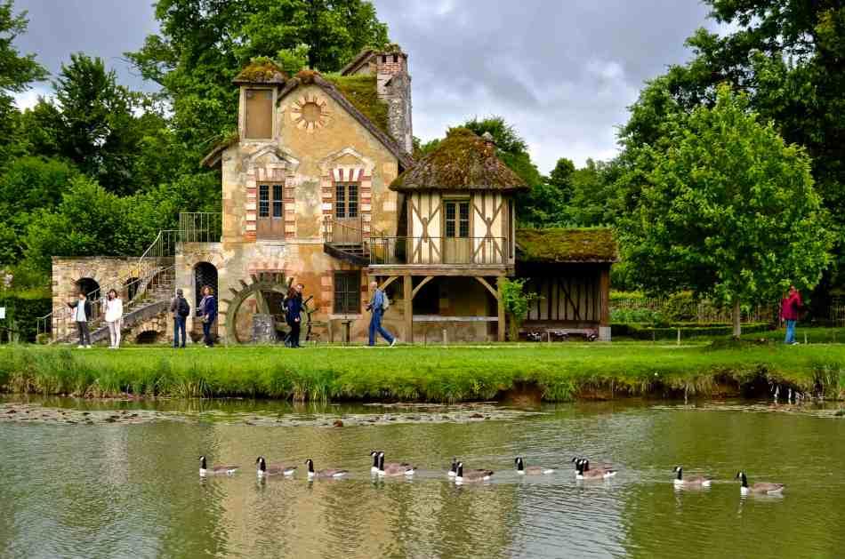 Marie_Antoinette-Versailles2