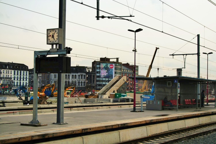 Station Mons