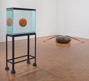 Jeff Koons - Total equilibrium tank and Life Boat