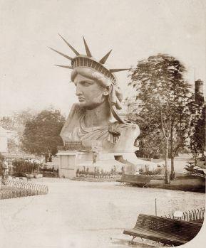 Hoofd van het vrijheidsbeeld bij de wereldtentoonstelling van 1878